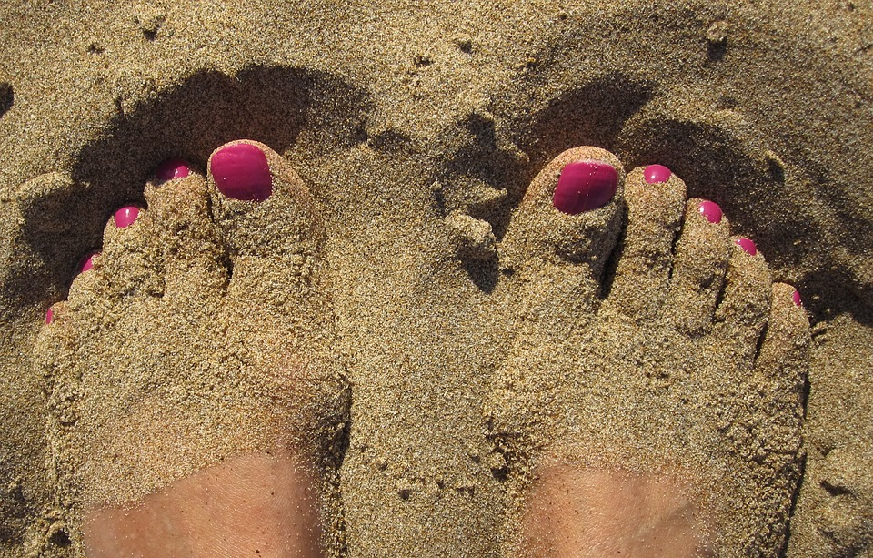feet-1659412_960_720