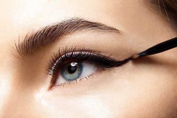 eyeliner-for-almond-eyes_grande