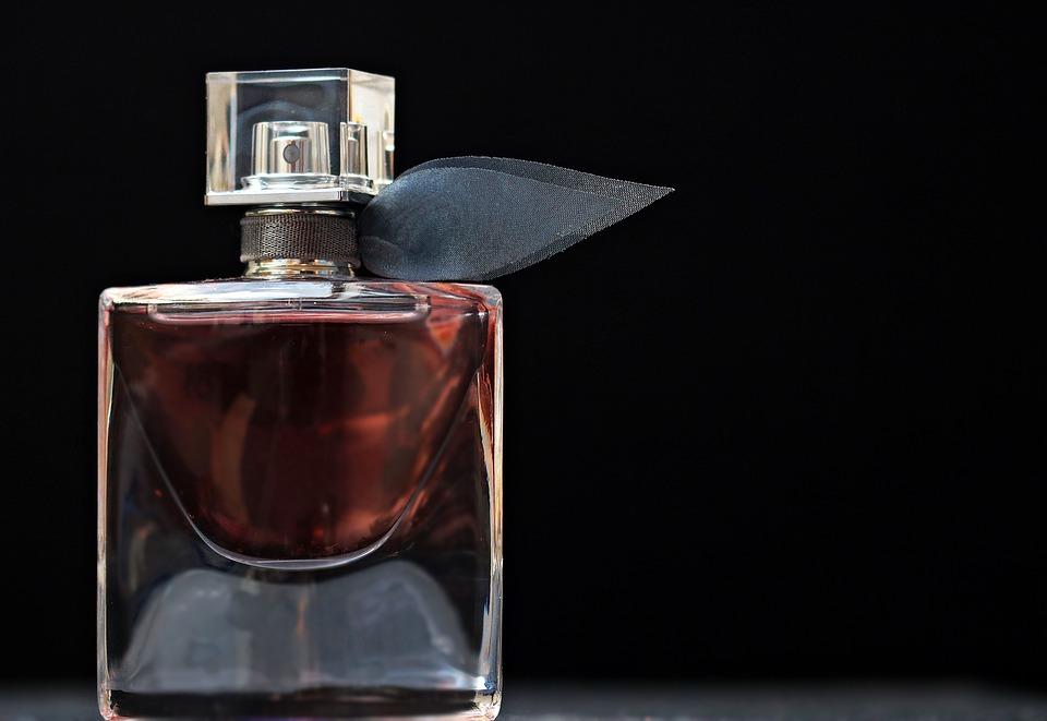 perfume-2142817_960_720
